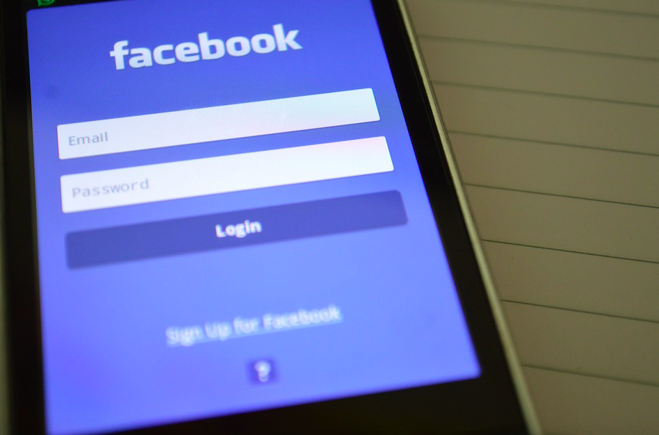 <em>Facebook proves to be the most popular app for smartphone users (Max Pixel)</em>