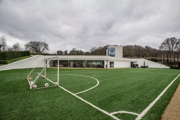 <p>Outdoors there's a complete 40-foot soccer field with lush viewing areas.</p>
