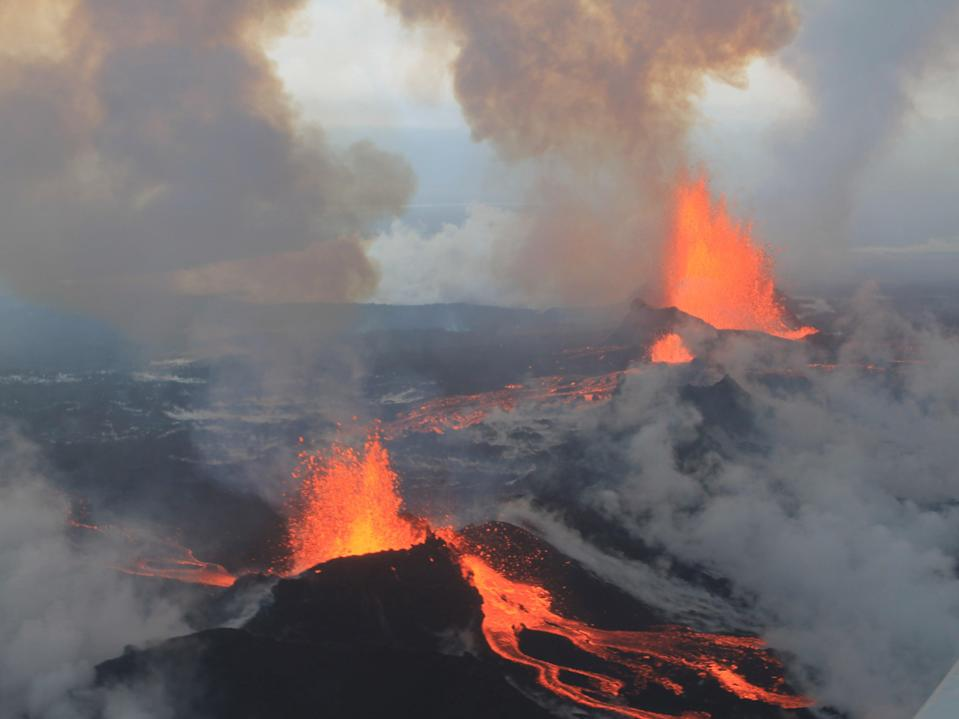 An eruption at the Holuraun lava field in September 2014 (Peter Hartree)