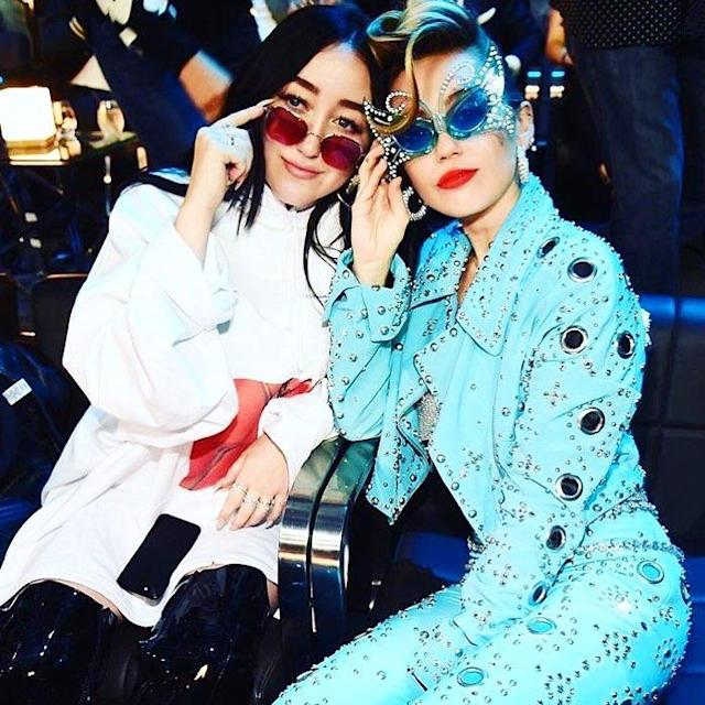 """<p>""""The shade of it all!"""" the """"Younger Now"""" singer captioned this photo with her little sis. She was also disappointed that her little sis wasn't a winner, writing, """"@noahcyrus IS the best new artist!"""" (Photo: <a href=""""https://www.instagram.com/p/BYUkimehBpK/?taken-by=mileycyrus"""" rel=""""nofollow noopener"""" target=""""_blank"""" data-ylk=""""slk:Miley Cyrus via Instagram"""" class=""""link rapid-noclick-resp"""">Miley Cyrus via Instagram</a>) </p>"""