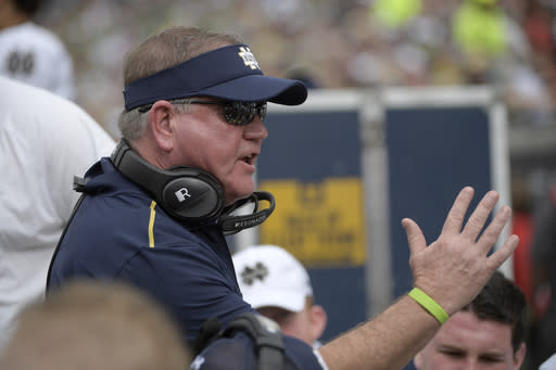 Notre Dame extends coach Brian Kelly's contract through 2024