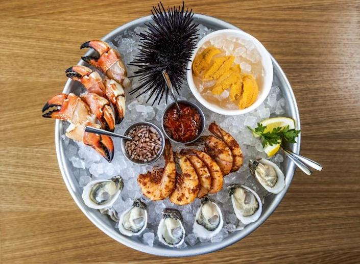 LOS OLIVOS, CA - SEPTEMBER 02, 2021:Jonah crab claws, Santa Barbara sea urchin, peel & eat shrimp, and Pacific Gold Reserves oysters are on the menu at Bar Le Cote, a new seafood restaurant in Los Olivos. (Mel Melcon / Los Angeles Times)