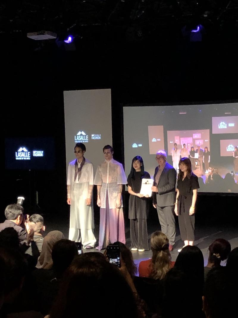Fashion graduate Melissa Lim takes home the Converse Award as well as Best Fashion Collection of the night. (PHOTO: Reta Lee/Yahoo Lifestyle Singapore)