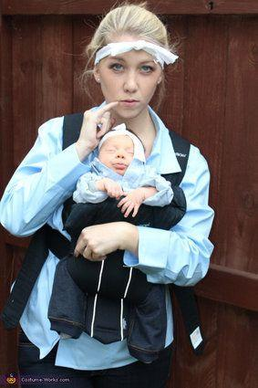 "Vía <a href=""http://www.costume-works.com/costumes_for_families/dr_evil_and_mini_me.html"" target=""_blank"">Costume-Works.com</a>"