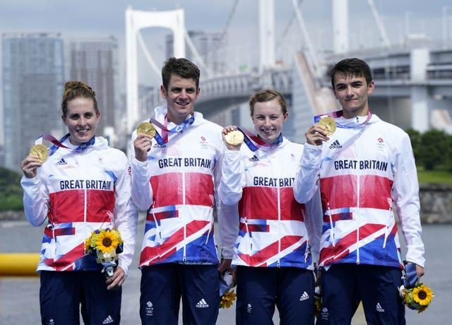 Jess Learmonth, Jonny Brownlee, Georgia Taylor-Brown and Alex Yee won the first Olympic mixed team relay