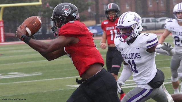 Austin Peay took on Furman in an opening-round FCS Playoff game Saturday afternoon at Fortera Stadium. Photos by Robert Smith | APSU Athletics
