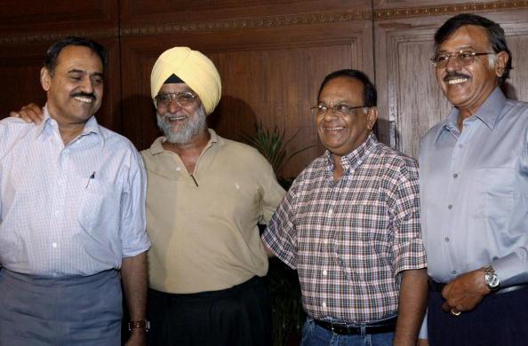 Indian spin bowlers Bhagwat Chandrasekhar (L), Bishen Singh Bedi (2nd from L), Erapalli Prasanna (third from left) and Srinivas Venkatraghavan (R) pose in Calcutta 30 May 2003. The Board of Control for Cricket in India (BCCI) organised a meeting of the spin bowlers of past and present. AFP PHOTO/Deshakalyan CHOWDHURY  (Photo credit should read DESHAKALYAN CHOWDHURY/AFP/Getty Images)