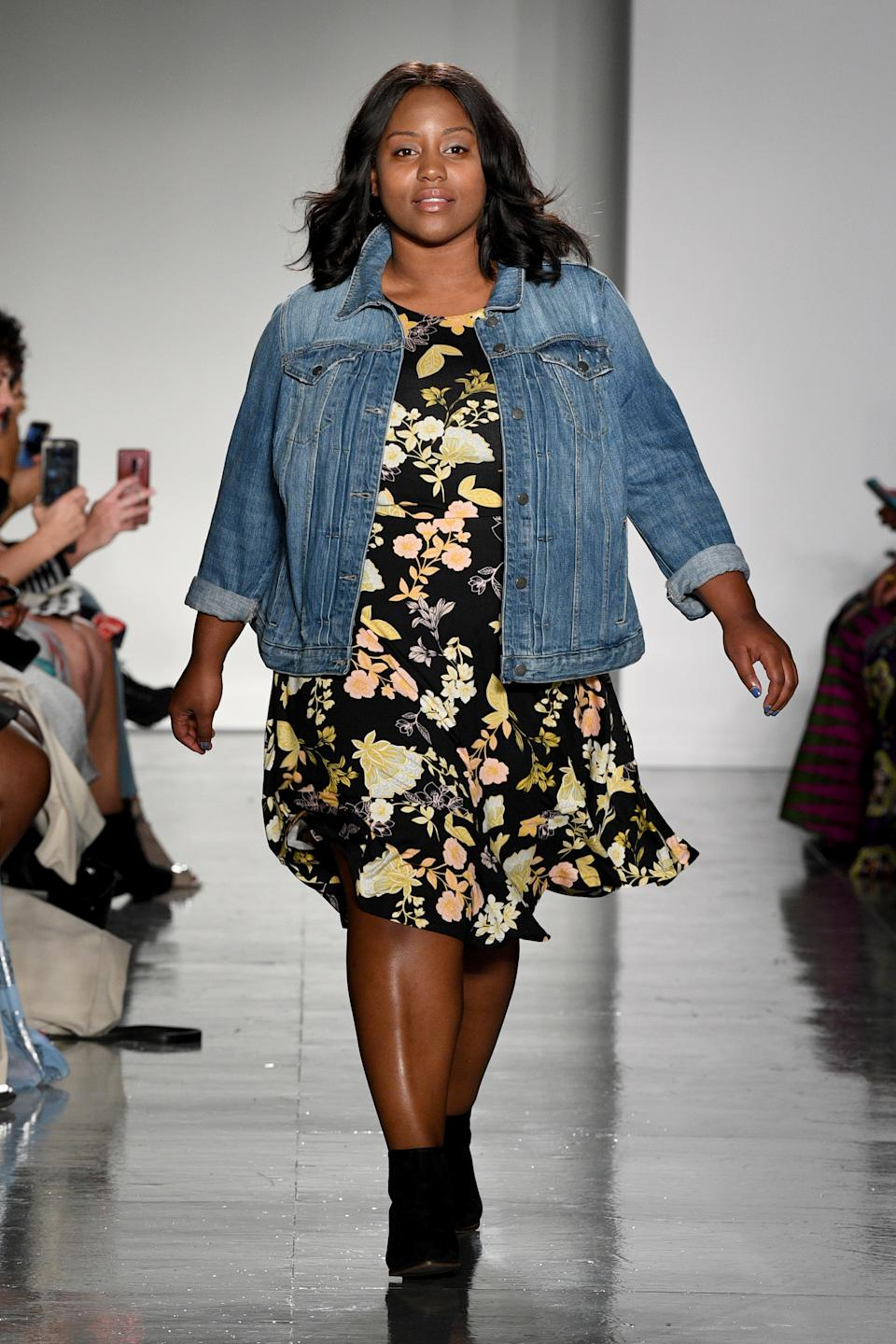 Gess Pugh walks the runway at the Loft Fashion Show during theCURVYcon Powered By Dia&Co (Getty Images).