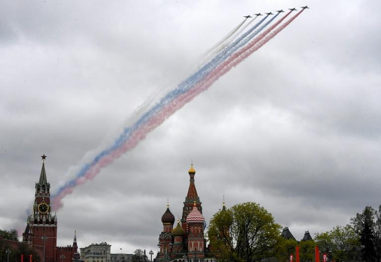 Russian Sukhoi Su-25 warplanes put on a display over central Moscow