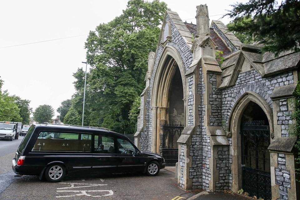 <p>A hearse carrying the coffin of Jeremy Kyle guest Steve Dymond arrives at Kingston Cemetery in Portsmouth</p>PA