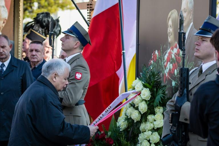 Jaroslaw Kaczynski -- the leader of the ruling Law and Justice party (PiS) -- lays a wreath to mark the seventh anniversary of the presidential plane crash in Smolensk, during a ceremony in Warsaw, on April 10, 2017