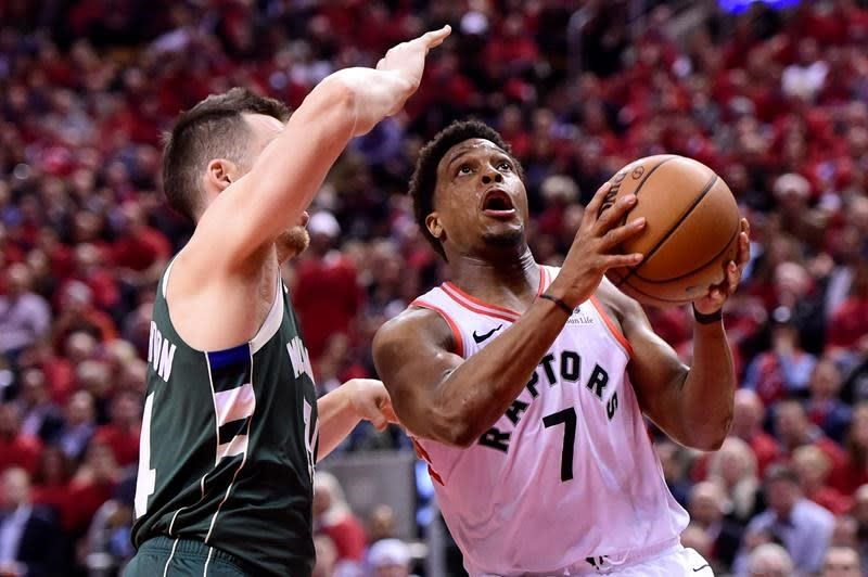 Lowry: Nothing to be done about thumb until off-season except play through pain