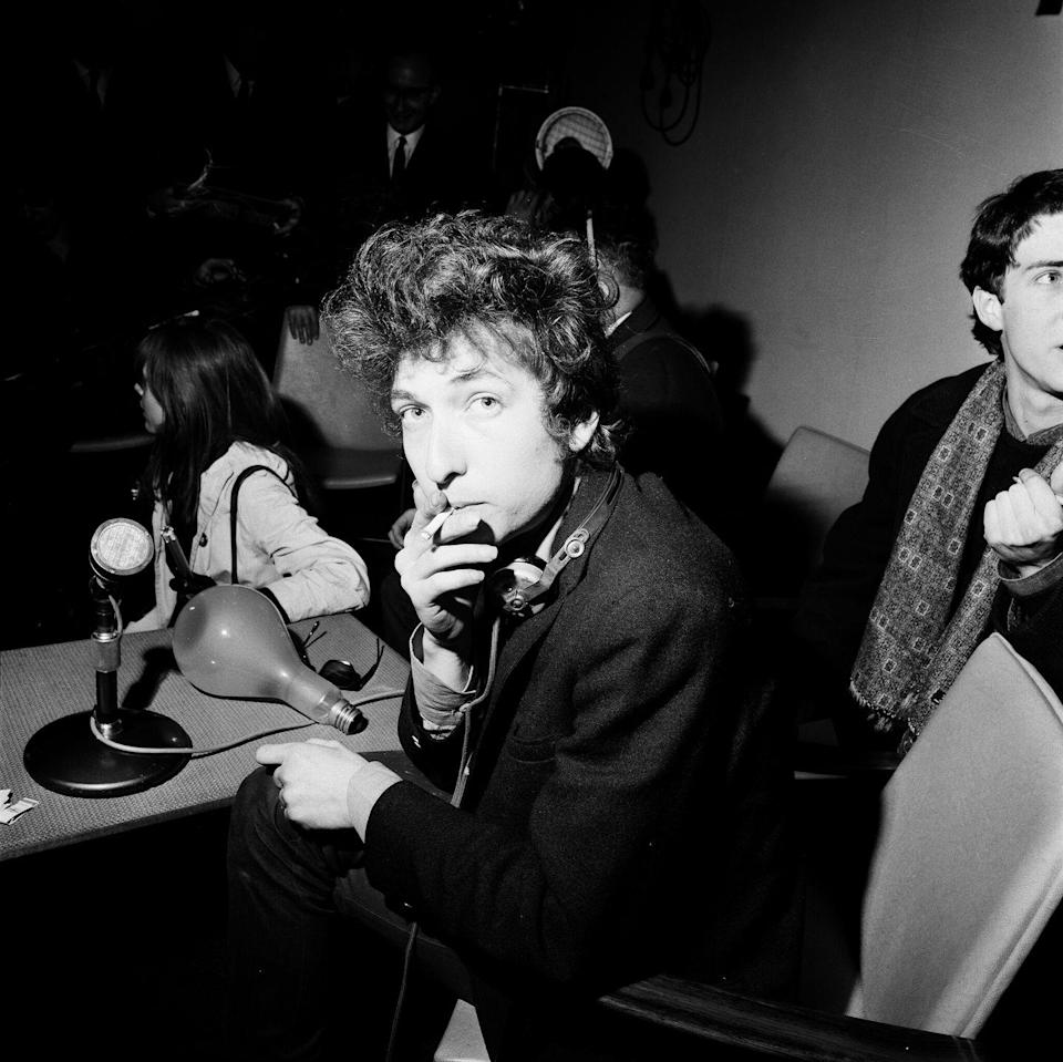 <p>Bob Dylan at a press conference in London, 1965.</p>