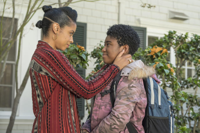 <p>Susan Kelechi Watson as Beth and Lyric Ross as Deja in NBC's <i>This Is Us</i>.<br> (Photo: Ron Batzdorff/NBC) </p>