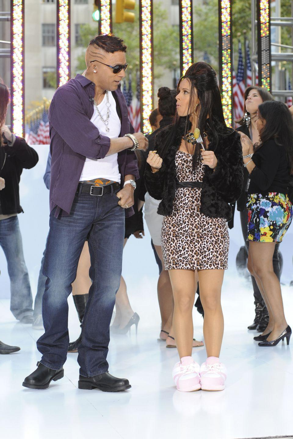 <p>WEEKEND TODAY co-hosts Lester Holt, Jenna Wolfe celebrate Halloween on the Plaza as JERSEY SHORE's Mike 'The Situation' Sorrentino and Nicole 'Snooki' Polizzi</p>