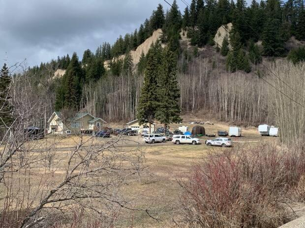 Witnesses and residents of the propertyare co-operating with the investigation, police say. (Catherine Hansen/CBC - image credit)