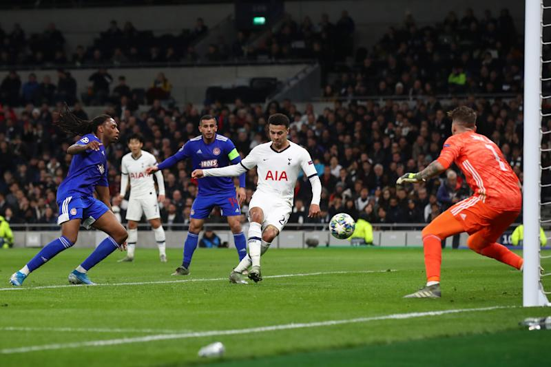 LONDON, ENGLAND - NOVEMBER 26: Dele Alli of Tottenham Hotspur scores his team's first goal during the UEFA Champions League group B match between Tottenham Hotspur and Olympiacos FC at Tottenham Hotspur Stadium on November 26, 2019 in London, United Kingdom. (Photo by Julian Finney/Getty Images)
