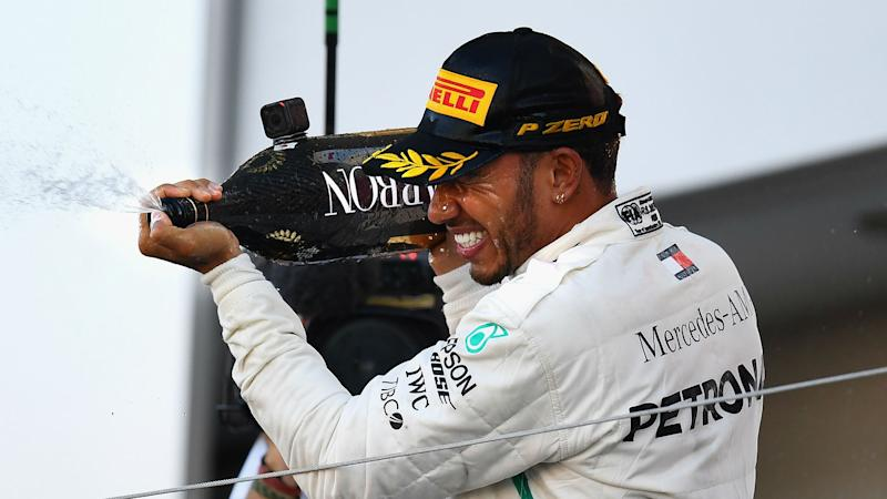 Hamilton among F1's greatest drivers - Sainz
