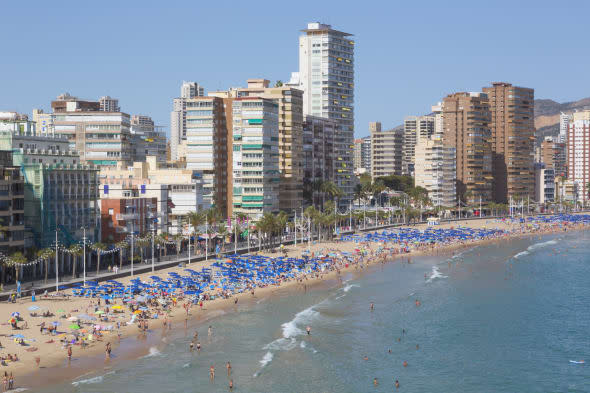 man sought over murder of Britain in Spain