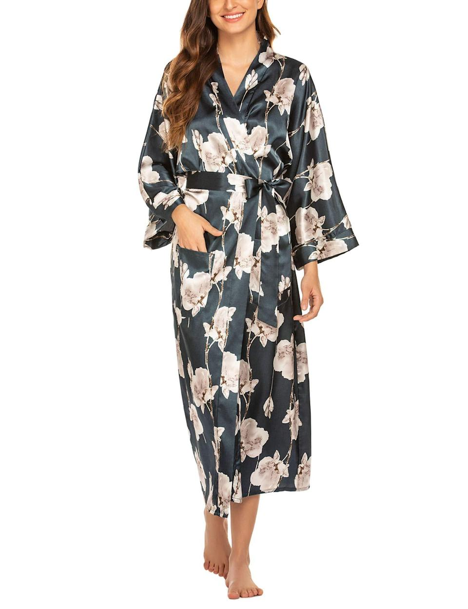 """<br><br><strong>FINEJO</strong> Long Robe With Pockets, $, available at <a href=""""https://amzn.to/2xDESu8"""" rel=""""nofollow noopener"""" target=""""_blank"""" data-ylk=""""slk:Amazon"""" class=""""link rapid-noclick-resp"""">Amazon</a>"""