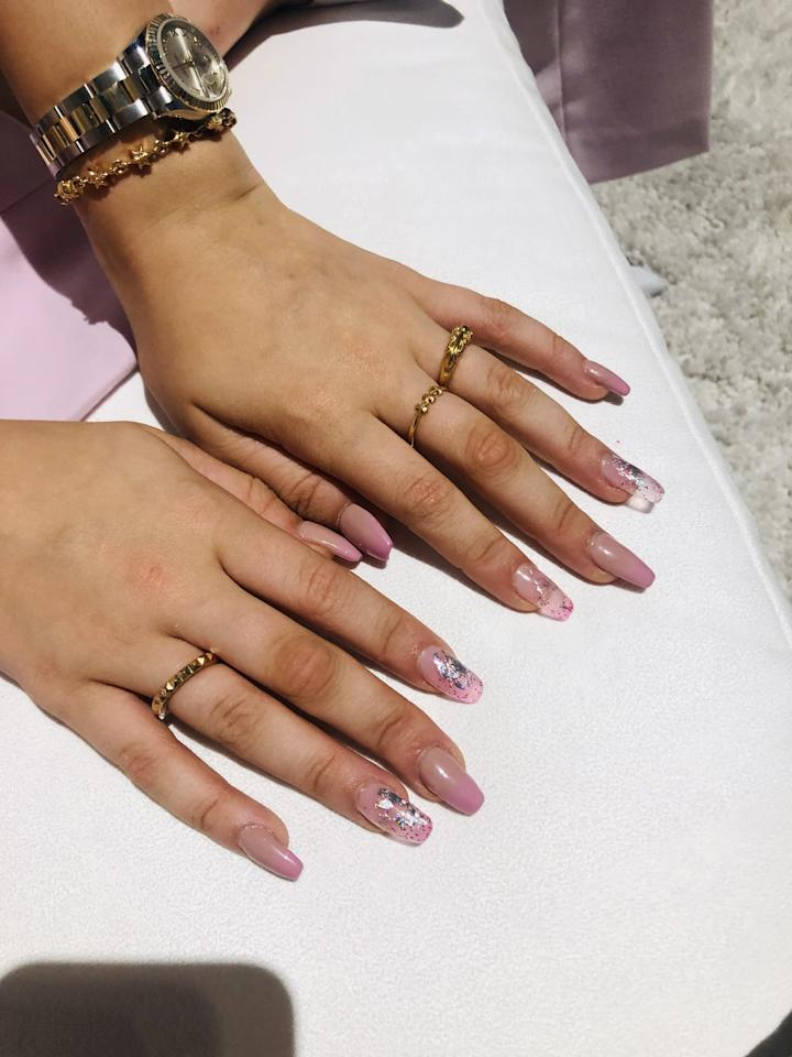 "<p><a href=""https://www.popsugar.com/beauty/Millie-Bobby-Brown-Purple-Gradient-Nail-Art-46542505"" class=""ga-track"" data-ga-category=""Related"" data-ga-label=""https://www.popsugar.com/beauty/Millie-Bobby-Brown-Purple-Gradient-Nail-Art-46542505"" data-ga-action=""In-Line Links"">Millie Bobby Brown's manicure</a> for the launch of her brand Florence by Mills might just inspire you to try multiple nail trends at once. She wore long, square nails with a purple gradient tip and negative-space accents.</p>"