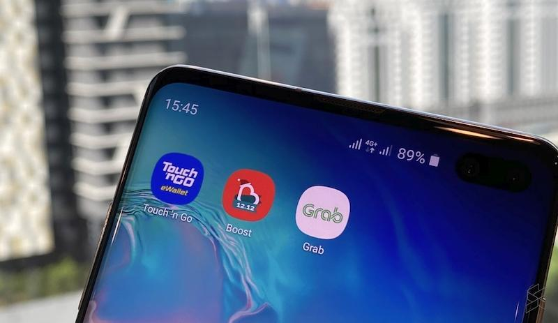The move is reminiscent of the previous Pakatan Harapan administration's move to give RM30 each in e-wallet funds to the same number of Malaysians under the e-Tunai Rakyat programme. — SoyaCincau pic