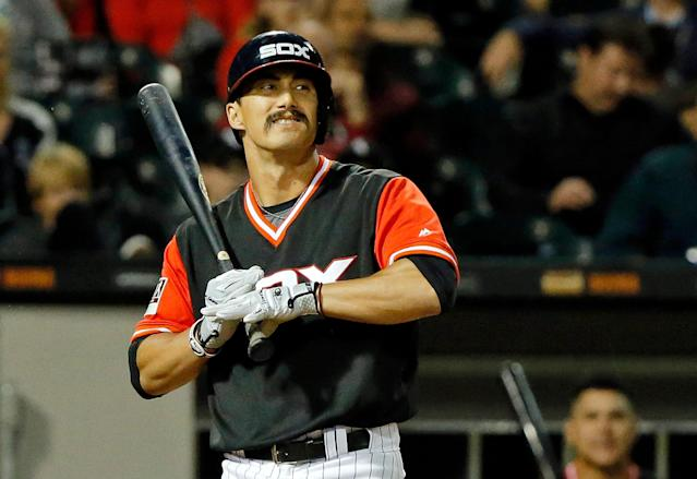 """White Sox infielder <a class=""""link rapid-noclick-resp"""" href=""""/mlb/players/10026/"""" data-ylk=""""slk:Tyler Saladino"""">Tyler Saladino</a> takes his respect for the national anthem to another level. (Getty Images)"""