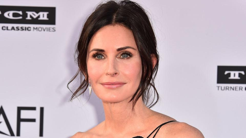 Courteney Cox shared her 5 minute beauty routine with fans. (Image via Getty Images)