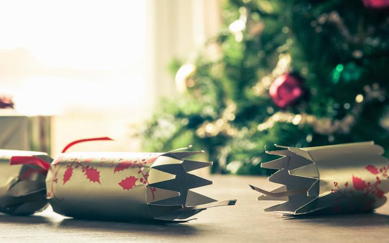 Are these the worst Christmas cracker jokes ever? - Cultura RF