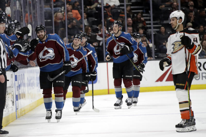 Avalanche get by Kings in shootout