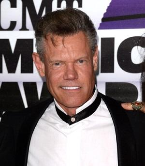 Randy Travis in Critical Condition With Heart Ailment