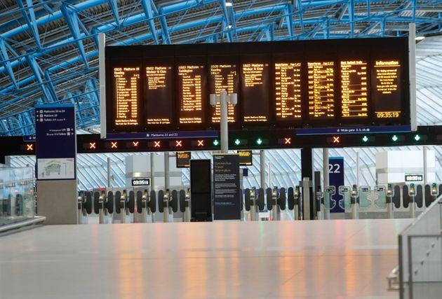 <strong>An empty Waterloo Station in London in April 2020 as the UK was put into lockdown.</strong> (Photo: via Associated Press)