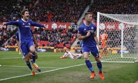 Chelsea's Gary Cahill celebrates with Marcos Alonso after scoring their second goal