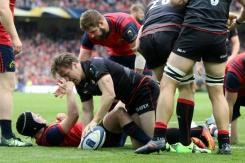 European Champions Cup title holders Saracens beat Munster in semis