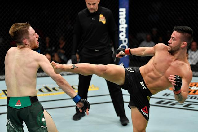 Pedro Munhoz (right) defeated Brett Johns (left) at UFC 227 (Getty Images)