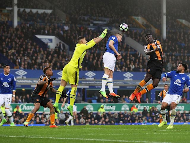 Robles in action for Everton against Hull (Getty)