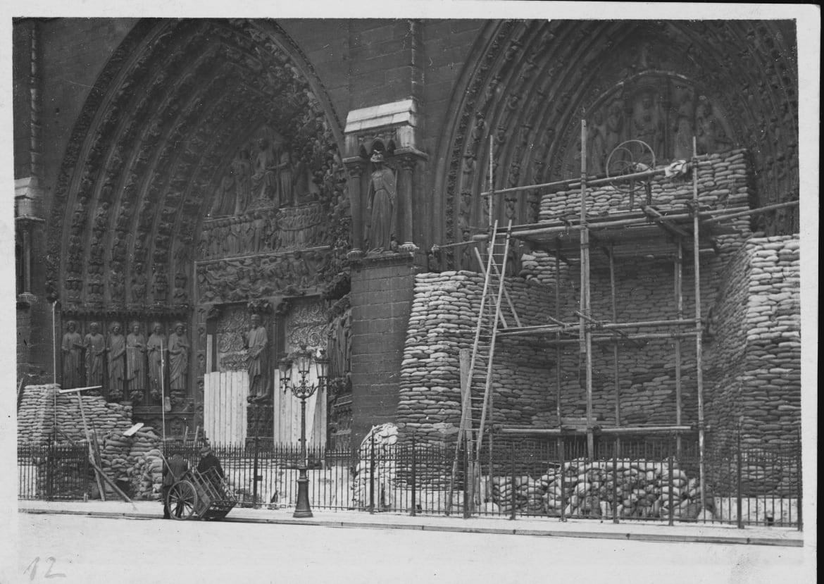 """<div class=""""inline-image__caption""""> <p>Sandbags are stacked up against Notre Dame Cathedral in Paris, to try and prevent any war damage, ca. 1916.</p> <br> <br> <br> </div> <div class=""""inline-image__credit""""> Hulton-Deutsch Collection/CORBIS/Corbis via Getty </div>"""