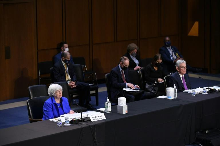 Treasury Secretary Janet Yellen (left), and Federal Reserve Board Chairman Jerome Powell (right) testify during a Senate Banking, Housing and Urban Affairs Committee hearing in Washington, DC on September 28, 2021 (AFP/MANDEL NGAN)