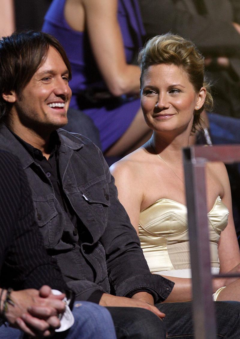 NASHVILLE, TN - JUNE 16: Musicians Keith Urban and Jennifer Nettles of Sugarland attend the 2009 CMT Music Awards at the Sommet Center on June 16, 2009 in Nashville, Tennessee. (Photo by Frederick Breedon/FilmMagic)