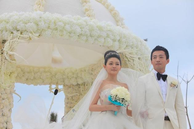 Taiwanese actress Barbie Hsu and Chinese tycoon Wang Xiaofei's wedding in Hainan, China. (Photo by Let There Be Light)