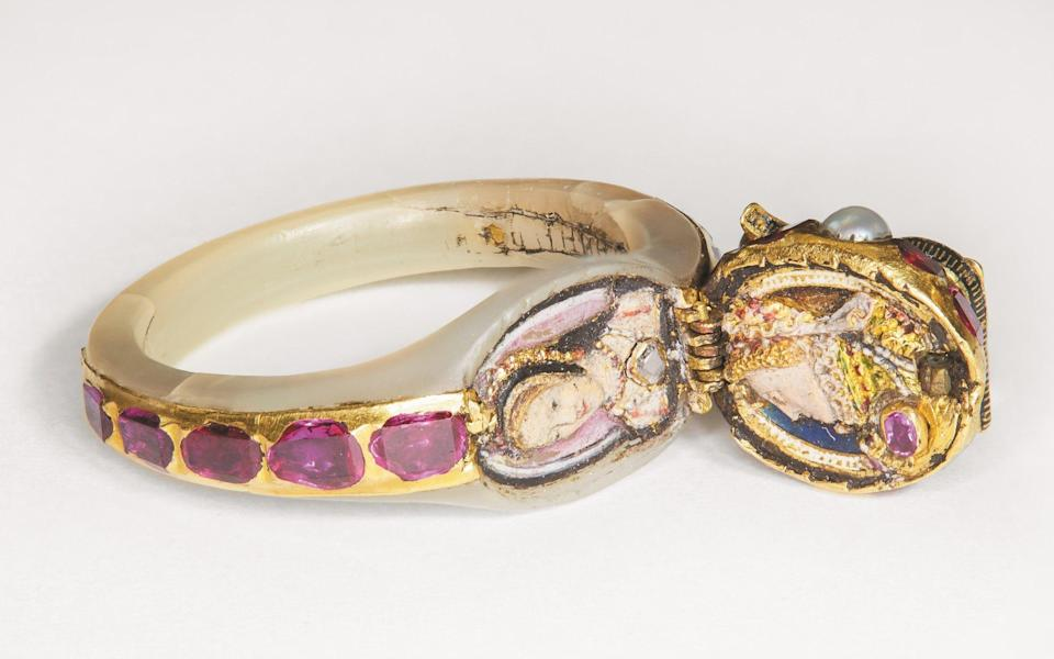 The Chequers' Ring that belonged to Elizabeth I - The Chequers Trust