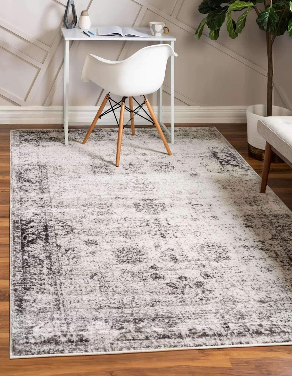 <p>This <span>Unique Loom Sofia Traditional Area Rug</span> ($51) will transform any room.</p>