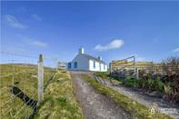 <p>New owners can revel in the idyllic surroundings. We recommend packing a picnic and heading down to the sandy shores. </p>