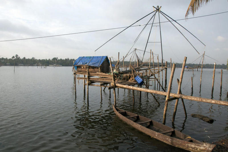 he Chinese fishing net in Kodungalloor, Kerala, where Jaison Kallarackal caught the arapaima. The fish probably escaped from aquaculture facilities during the floods, and are now 'fugitives' in the natural ecosystem, claim researchers. Image credit: Smrithy Raj.