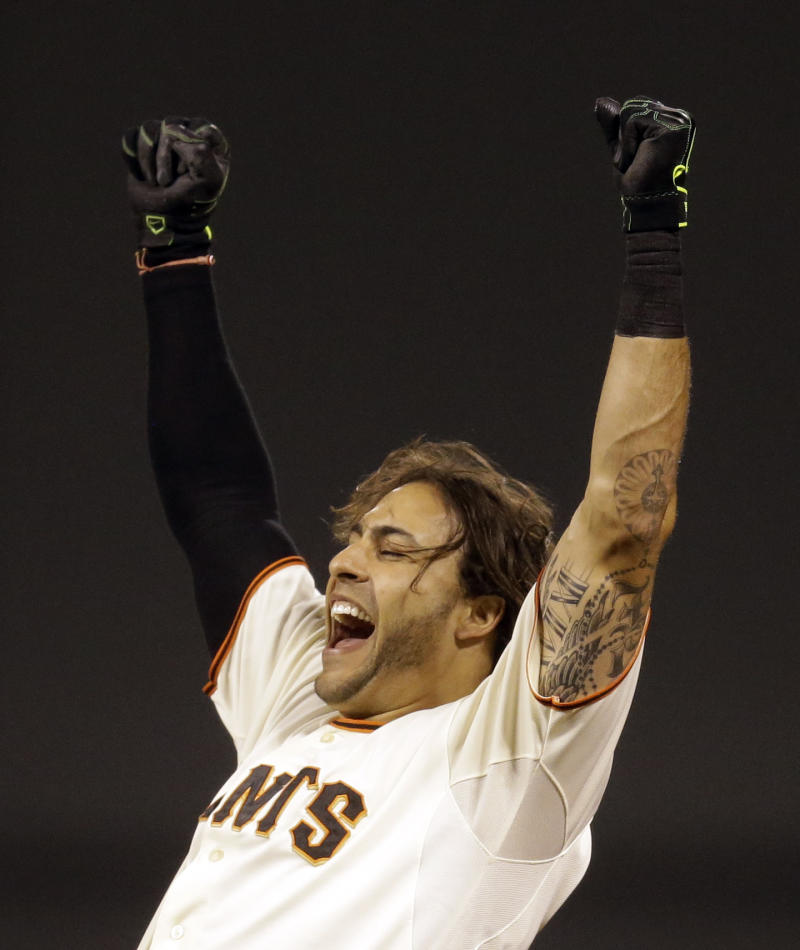 Giants rally in 9th to beat Mets 5-4