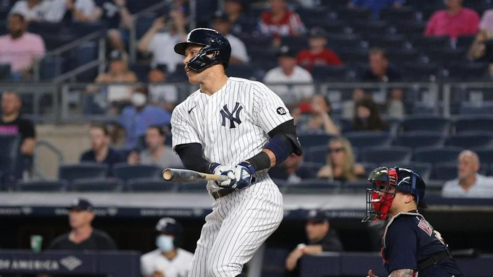 Aaron Judge looks up after contact 6/6
