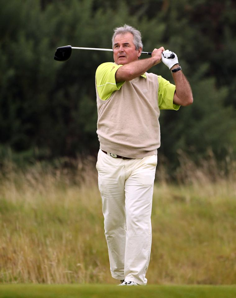 KINGSBARNS, SCOTLAND - OCTOBER 01:  Allan Lamb, former England cricketer, in action during the third round of The Alfred Dunhill Links Championship at the Kingsbarns Golf Links on October 1, 2011 in Kingsbarns, Scotland.  (Photo by Andrew Redington/Getty Images)