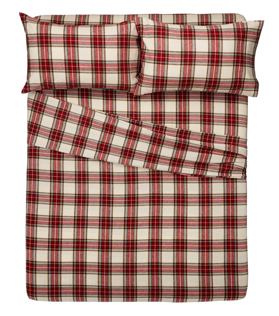 Pinzon Plaid Flannel Bed Sheet Set in Cream/Red Plaid (Photo via Amazon)