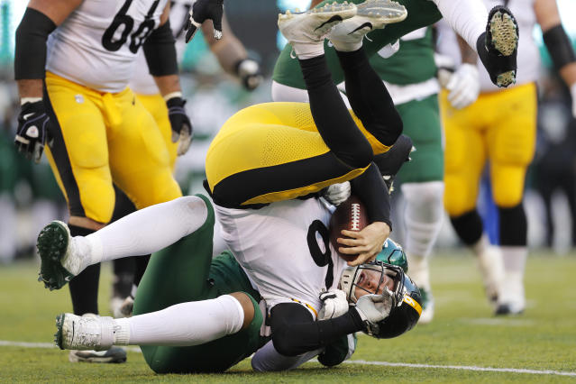 Pittsburgh Steelers quarterback Devlin Hodges (6) was benched Sunday, but likely will have to start in Week 17. (AP Photo/Adam Hunger)