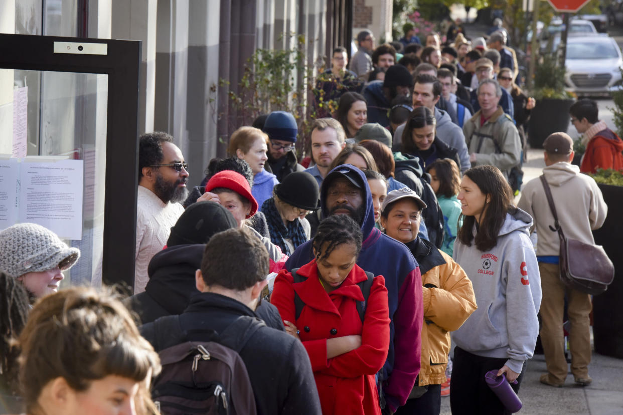"""<span class=""""s1"""">A line of voters stretches around a corner outside a polling place in West Philadelphia on Nov. 8, 2016. (Photo: Jahi Chikwendiu/The Washington Post via Getty Images)</span>"""